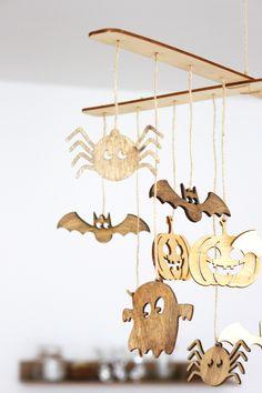 Helloweenská závesná dekorácia. Dekorácie do bytu Halloween, Baby, Baby Humor, Infant, Babies, Babys, Spooky Halloween