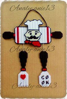 Hola, aquí les dejo otra decoración para la cocina, un encargo especial...   en plastic canvas, para las fanáticas del chef...espero les gu...