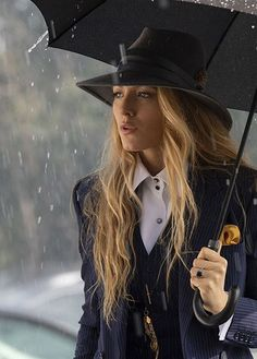 Classic style for that elegant look! classic style outfits accessories elegant look fashion a simple favor designer breaks down blake lively s pantsuits Gossip Girls, Gossip Girl Outfits, Style Outfits, Komplette Outfits, Fashion Outfits, Fashion Trends, Latest Fashion, Mode Blake Lively, Blake Lively Style