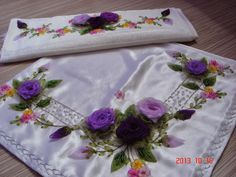 . Silk Ribbon Embroidery, Embroidery Stitches, Ribbon Work, Fabric Flowers, Romantic, Diy, Elsa, Handmade, Color