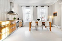 Bolig til salgs Real Estate, Table, Inspiration, Furniture, Home Decor, Biblical Inspiration, Decoration Home, Room Decor, Real Estates