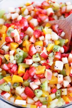 Fruit Salsa with Cinnamon Chips is a healthy appetizer that everyone loves! This fruit salad is super easy to make and is perfect for so many occasions. # healthy fruit Fruit Salsa with Cinnamon Chips - The Gunny Sack Salsa Aux Fruits, Fruit Salsa, Fruit Fruit, Watermelon Salsa, Pineapple Salsa, Fruit Appetizers, Healthy Appetizers, Appetizer Recipes, Healthy Fruits