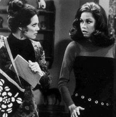 Mary Tyler Moore Show, It's All Happening, Nostalgia, Comedy Tv, Television Program, Gal Pal, Retro Hairstyles, Girl Inspiration, Old Tv