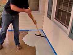 Rock Solid hosts Derek Stearns and Dean Marsico show how to use overlay and a pattern stamp to rework a cracked and peeling concrete porch floor. The result is a stylish porch surface resembling slate at a fraction of the cost. Diy Stamped Concrete, Painted Concrete Porch, Concrete Cost, Stamped Concrete Patterns, Diy Concrete Patio, Patio Diy, Concrete Overlay, Concrete Texture, Painting Concrete