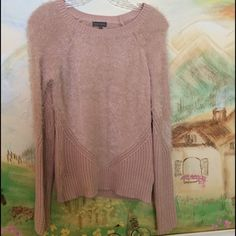 Vince Camuto Eyelash Yarn Sweater Vince Camuto Eyelash Yarn Sweater. Great preowned condition!  This was purchased from Nordstrom's last fall. Color is Rose Dust Vince Camuto Sweaters