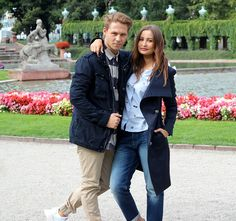 Casual Streetstyle für den Herbst  #Mantel #Jacke #Blau #Trendfarbe #Jeans #Casual #Streetstyle #Boys #Girls #Trendy