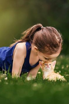 Animals For Kids, Cute Baby Animals, Animals And Pets, Happy Pictures, Cute Pictures, Cute Kids, Cute Babies, Sathya Sai Baba, Photo Chat