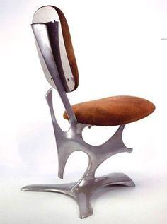 Vea nuestra selección curada del diseño de sillas más bellas y modernas para ayudarle en sus proyectos de diseño. Vea más diseño de sillas aquí www.covethouse.eu