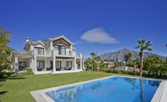 SOPHISTICATED VILLA WITH VIEWS TO GOLF AND SEA IN LA CERQUILLA, Marbella!  Ref. W-01IQA7  5 Bedrooms  6 Bathrooms  530 m² Built  530 m² Interior  200 m² Terrace  1.560 m² Plot  Exceptional and Luxurious Villa situated in the highly sought after La Cerquilla area just above Las Brisas Golf course with full advantage of its commanding south facing position overlooking the golf valley and with sea views.  #engelvoelkers #evproperty #realestate #Spain #marbella #villa #house #instaproperty…