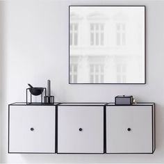 Minimal and sophisticated, with its clean and subtle 6 mm frame, View keeps the mirror itself as the main point of focus. #bylassen #bylassenview #view #viewmirror #mirror #danishdesign #nordicdesign #scandinaviandesign