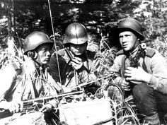 Soviet marines during the south #Sakhalin #offensive. August #1945