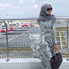 Another beautiful day 🌞 | Scarf : BasicDiament in Soft Grey by @tudungruffle | Dress : @minimalace | 📷: @ammar__arif #ootd