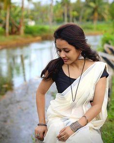Traditional look of kerala girl - Indian Beauty Onam Saree, Kasavu Saree, Tamil Saree, Beautiful Saree, Beautiful Indian Actress, Beautiful Actresses, Beautiful Women, Beauty Full Girl, Beauty Women