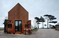 Dovecote Studio by London based firm Haworth Tompkins. The firm renovated a dilapidated old building situated on the Dovecote Studio campus. The exisiting ruins once formed a two-storey brick dovecote. Houses Architecture, Green Architecture, Architecture Design, Attic Renovation, Attic Remodel, Adaptive Reuse, Corten Steel, Old Buildings, Steel Buildings