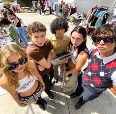 I Need Friends, Cute Friends, Best Friends, Cute Friend Pictures, Friend Photos, Estilo Ivy, Besties, Urbane Fotografie, Photographie Indie