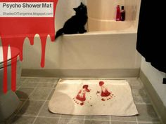1000 images about halloween bathroom decor on pinterest for Psycho shower curtain and bath mat