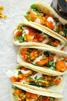 Buffalo Ranch Cauliflower Tacos with Greek Yogurt Ranch -- vegetarian and DELISH! // via Nosh and Nourish