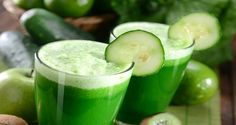 How to Use Cucumber Water for Weight Loss - Detox Diet. With only 13 calories per 100 grams, the cucumber is a food that is present in all the fad diets for weight loss. Its cleansing. Juice Cleanse Recipes, Green Juice Recipes, Cucumber Water, Cucumber Juice, Kale Juice, Veggie Juice, Celery Juice, Juice 2, Healthy Juices