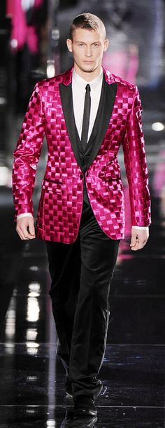 Dolce & Gabbana - This is a MUST with the fuschia ballgown. Any daring men out there who would wear this? Dolce & Gabbana, Sharp Dressed Man, Well Dressed, Aldo Conti, Man About Town, High Fashion, Mens Fashion, Black Tie Affair, Men Formal