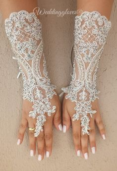 ivory Long gloves Unique very elegant Ivory free ship bridal gloves gauntlet guantes pearls, embroidered with crystal beads