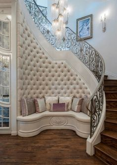 61 Fabulous Staircase Design Ideas for a Catchier Home - Are you looking for creative and catchy staircase design ideas that can change your home's look and make it more inviting? There are several things. Dream Home Design, Home Interior Design, Interior Decorating, House Design, Luxury Bedroom Design, Flur Design, Luxury Homes Dream Houses, Staircase Design, Luxury Staircase