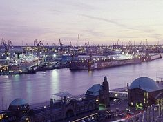Hafen Hamburg puerto del Hamburgo — hier: Hamburg. 2010