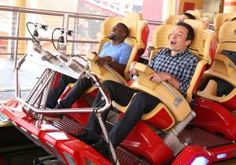 Jimmy Fallon made Kevin Hart overcome his fear of riding a roller coaster for The Tonight Show, taking the terrified comedian on a ride Biggest Roller Coaster, Roller Coaster Ride, Roller Coasters, Best Of Jimmy Fallon, Late Night Show, Funny Video Clips, World Tv, Save From Instagram, Tina Fey