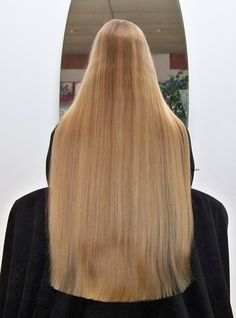 A new look for new year. Taken lot of hair off. Perfect Blonde Hair, Beautiful Blonde Hair, Brown Blonde Hair, Medium Long Hair, Very Long Hair, Long Hair Cuts, Long Hair Styles, One Length Hair, Waist Length Hair