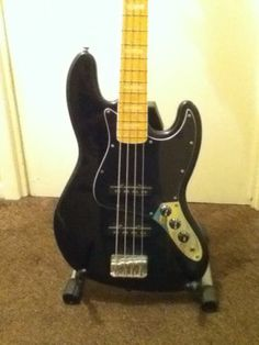 Squier Vintage Modified Bass