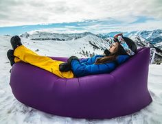The Netherlands' Lamzac Hangout inflatable lounge, another ingenious outdoor product from the country that brought us The HotTug, is a portable couch that fills with air in seconds without re…