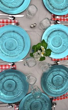 Setting a red, white, blue table - for any occasion! ReluctantEntertainer.com
