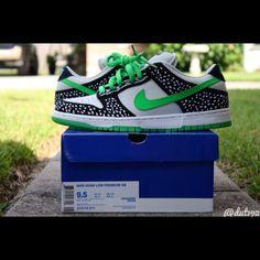 on sale d50aa cb115 Nike SB Dunk Low