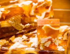 Sharing Happens • Pin a gift • La Jabonería Galesa •  miel y jalea real 100 gramos Q65.25