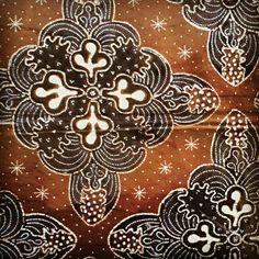 Batik Tulis Ceplok Catur Sogan