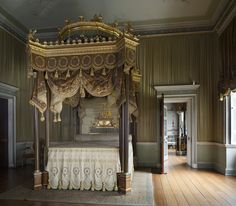 Osterley Park and House, London - The State Bed designed by Robert Adam in 1776 in the State Bedchamber at Osterley Park. The architectural features of the bed resemble a canopied box that Adam had designed for George III at the Italian Theatre in the Haymarket