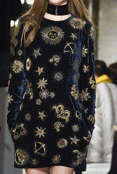 fashion 2015 Emilio Pucci at Milan Fashion Week Fall 2015 - Details Runway Photos Emilio Pucci, Haute Couture Style, Runway Fashion, High Fashion, Fashion Outfits, Womens Fashion, Fashion Weeks, Milan Fashion, Fashion 2015