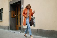 hanna_stefansson_orange_coat_amyhannastudios_drop_coffee_humana_ganni_slingbacks_1