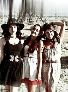 Liz Gillies, Ariana Grande &Daniella Monet • 'Make it in America' music video - these girls always look great!