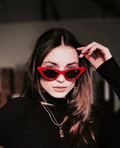 the perfect red glasses