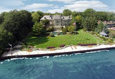 Grosse Pointe Shores, MI LakefrontAbsolute AuctionOctober 28, 2014 | Grand Estates
