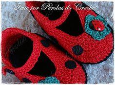 * Pérolas do Crochet: Sapatinhos em crochet - Galinha pintadinha, Hello Kitty e Joaninha