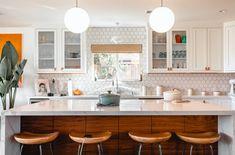 Classic Kitchen, New Kitchen, Kitchen Decor, Kitchen Furniture, Kitchen Cost, Kitchen Vinyl, Timeless Kitchen, Kitchen White, Kitchen Office