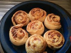 lukewarm water yeast oil bakers flour 2 tsp salt Butter Vegemite Grated cheese Add all ingredients except butter, vege. Sweet Recipes, Snack Recipes, Cooking Recipes, Vegemite Scrolls, Vegemite Recipes, Thermomix Bread, Toddler Finger Foods, Bellini Recipe, Savoury Baking