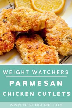 Weight Watchers Parmesan Chicken Cutlets Recipe with Italian seasoned breadcrumbs, paprika, parsley, garlic powder, and pepper. A quick and easy 30 dinner idea. 2 WW Freestyle Points and 3 Smart Points Poulet Weight Watchers, Weight Watchers Meal Plans, Weight Watcher Dinners, Weight Watchers Diet, Air Fryer Recipes Weight Watchers, Weight Watchers Recipes With Smartpoints, Weight Watchers Meatloaf, Healthy Recipes, Ww Recipes