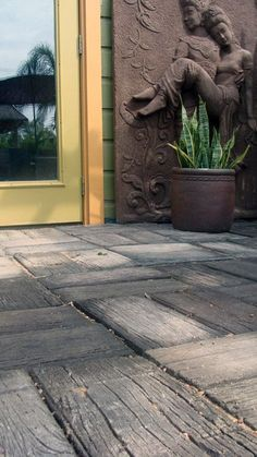 Wood Grain Concrete Pavers: These highly versatile, molded concrete pavers are the sustainable, do-it-yourself alternative to typical brick-style pavers for patios and walkways. Their well Landscape Design, Garden Design, Path Design, Design Ideas, Concrete Pavers, Stamped Concrete, Pavers Patio, Concrete Texture, Concrete Stamping