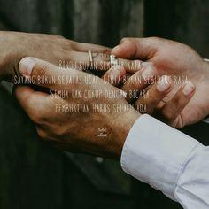 Karna kepercayaan tidak hanya bisa didapatkan hanya dengan kata kata tapi harus dengan perbuatan.