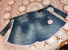 Farkkuessu kierrätysmateriaaleista. Crafts To Make, Pants, Handmade, Fashion, Moda, Trousers, Women Pants, Fasion, Women's Pants