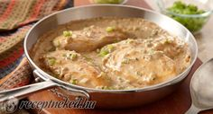 Smothered Chicken: Serve chicken breasts, smothered in mushroom gravy with pieces of onion, green pepper and celery, over wide noodles. Smothered Chicken, Hungarian Recipes, Stuffed Green Peppers, One Pot Meals, How To Cook Chicken, Quick Meals, Soul Food, Main Dishes, Chicken Recipes
