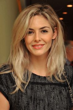 Tamsin Egerton - Sarah Morgan in Sandglass of Dreams Tamsin Egerton, Beauty Around The World, New Hair Colors, Cute Faces, Celebrity Pictures, Beautiful Actresses, Her Hair, Beauty Women, Hair Makeup
