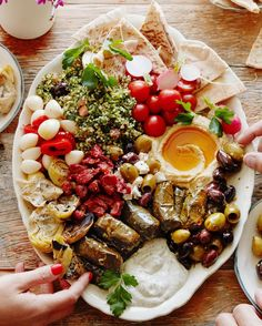 All about this Mezze situation tonight! This and 19 other no-cook meals are up on @whatsgabycookin because it's too damn hot to turn on…